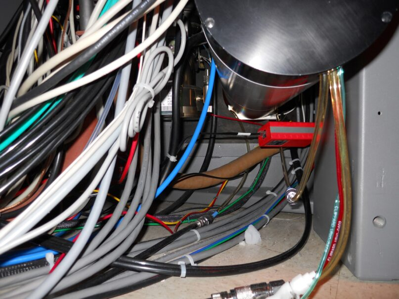 Poor cable management photo